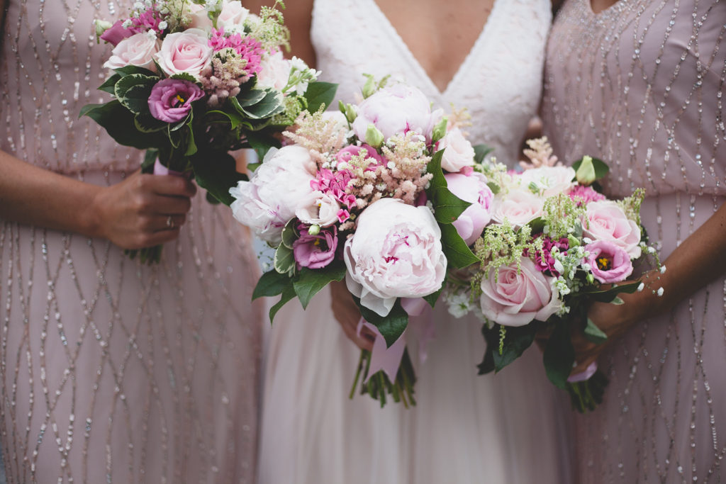 Light & dark pink bouquets