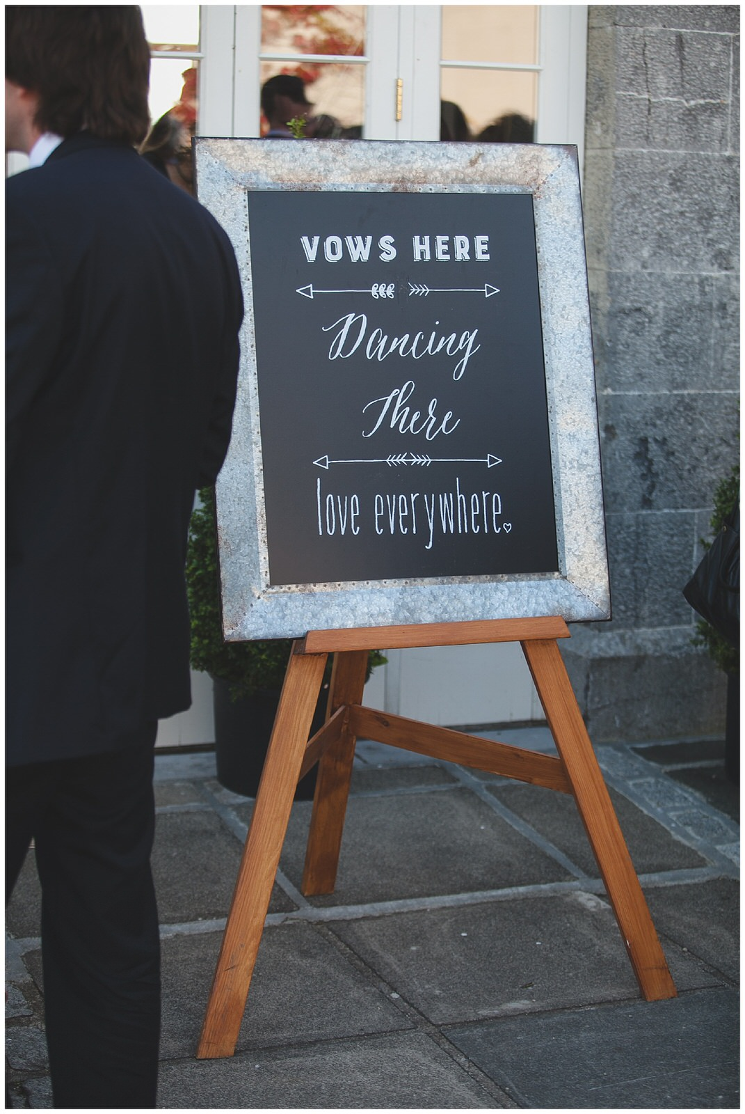 Cute wedding sign - Vows here, dancing there, love everywhere !