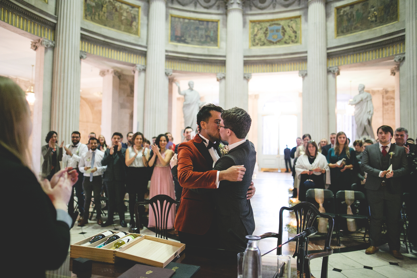 First kiss at City Hall Dublin