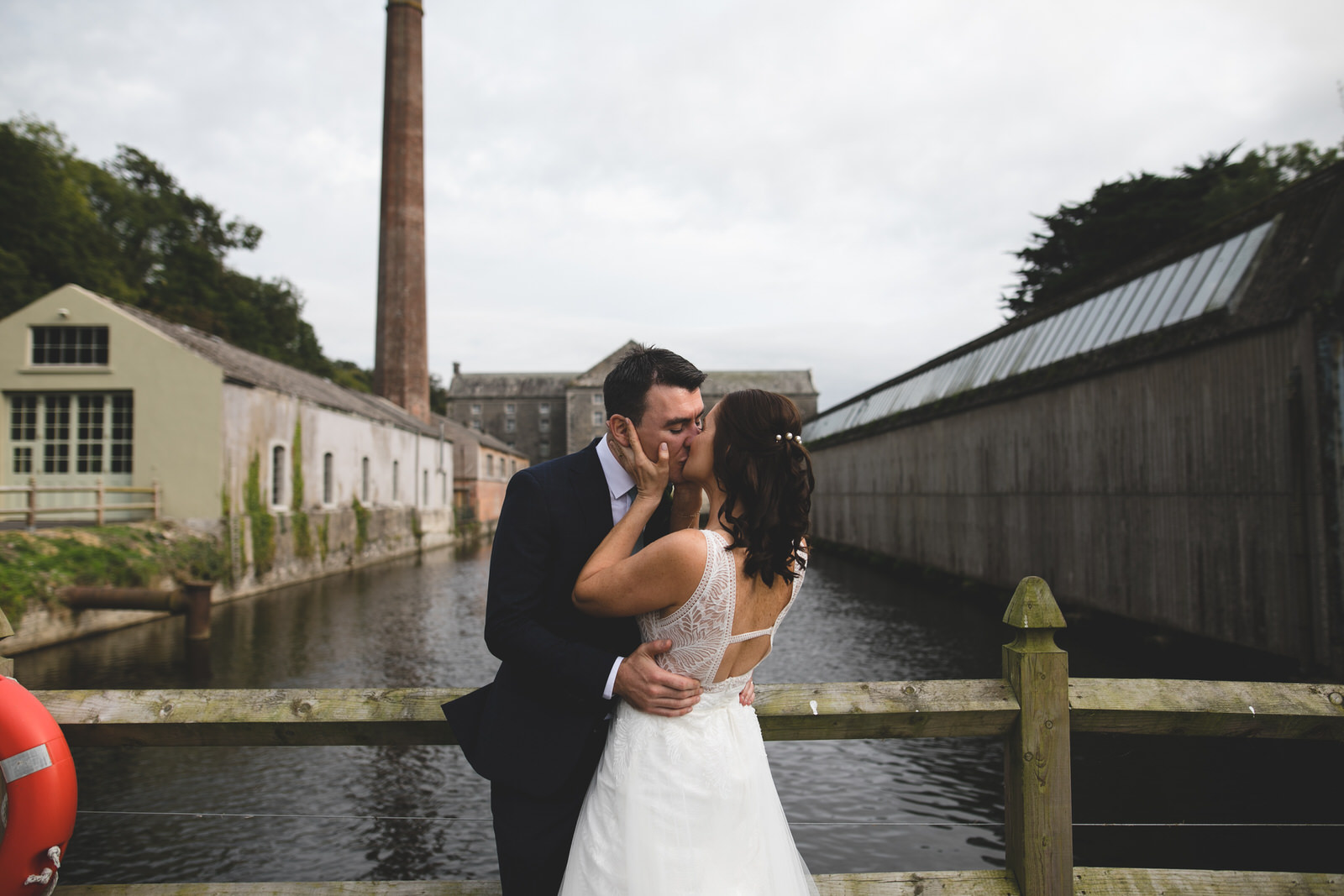 Kisses at the museum of transport at the Millhouse in Slane